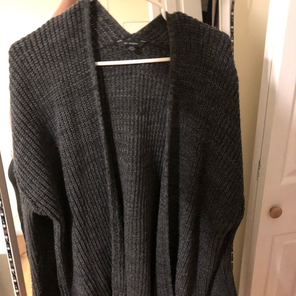 Grey black cardigan American eagle